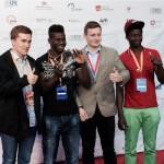 Bestes Musikvideo für Royksopps 'Running to the Sea' auf der Filmschau Baden-Württemberg. Alexander Bergmann, Gibbi Sillah, Benjamin Tomoff und Lamin Travally (Quelle: http://www.alexander-bergmann.com)